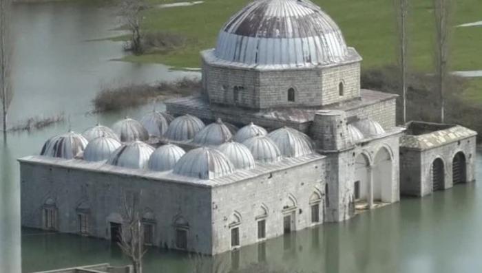 Балканы затопило и уровень воды ещё будет расти