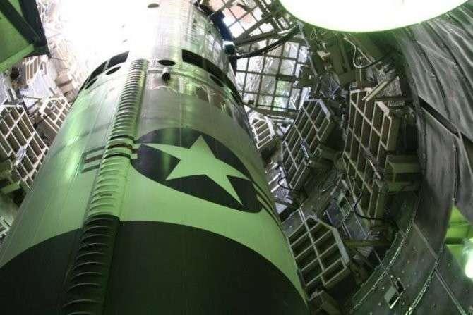 Пиндостан пригрозил забросать Россию ракетами из-под воды