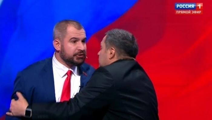 Горе-кандидат в Президенты Сурайкин не удачно попытался подраться с Шевченко