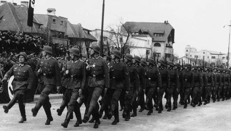 Нацизм в Германии построили США и Британия
