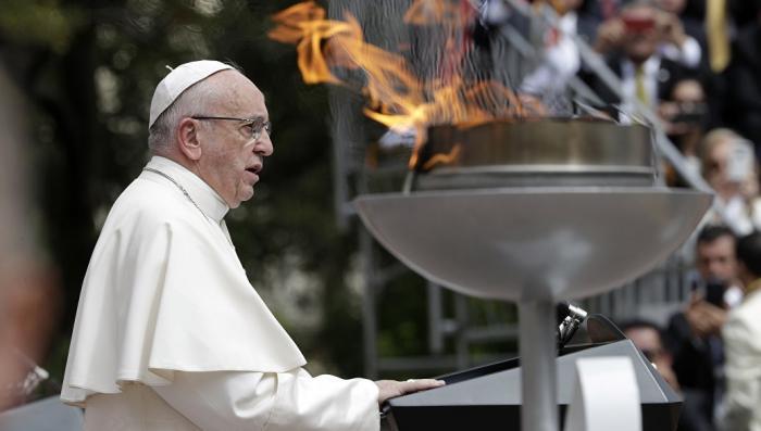Папа Франциск признал, что педофилия и гомосексуализм прочно укоренились в лоне церкви