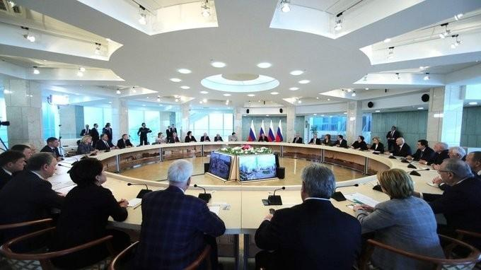 Владимир Путин провёл встречу сработниками сферы здравоохранения