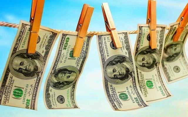США – идеальная прачечная и свинья-копилка для грязных ворованных денег