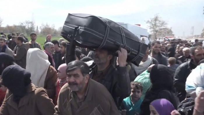 Из Восточной Гуты в Сирии по гуманитарному коридору вышли 17 тысяч мирных жителей
