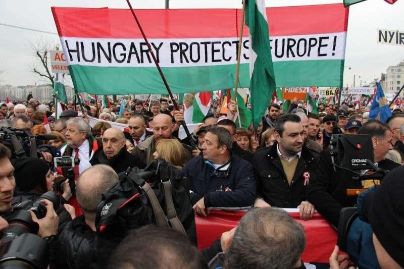 Венгерский премьер Виктор Орбан: мы отправили домой султана, мы прогоним и Джорджа Сороса
