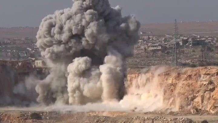 В Сирии сбит боевой самолёт, предположительно Сирийских ВВС. Пилот катапультировался