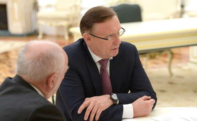 Сопредседатель избирательного штаба Владимира Путина, генеральный директор ПАО «Камаз» Сергей Когогин (вцентре).