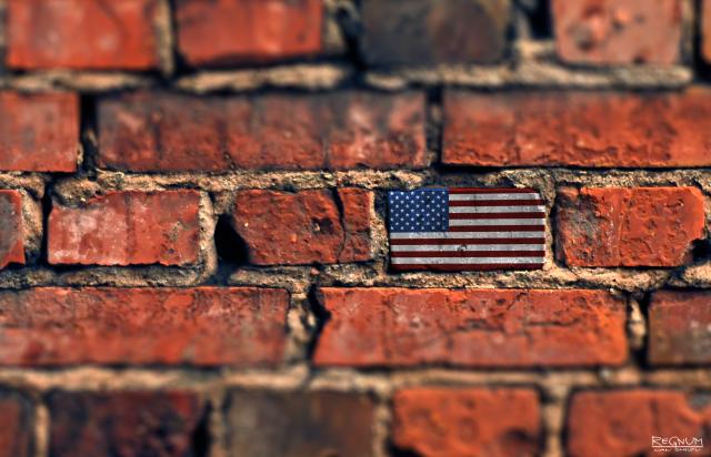 Америка. Стена