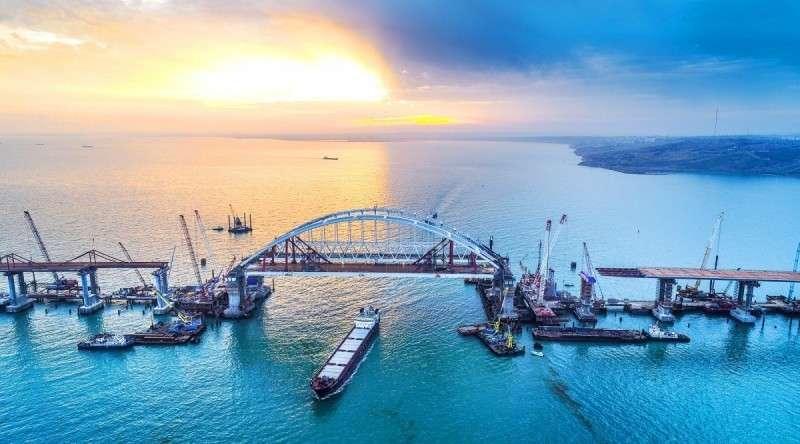 «Это событие перевернёт нашу жизнь»: чего ждут россияне ототкрытия Крымского моста