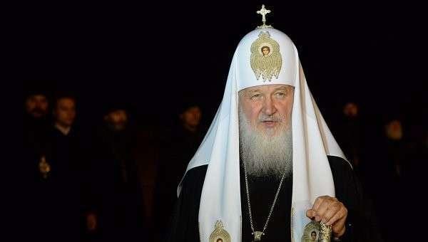 Патриарх вручил ключи пострадавшим от наводнения на Дальнем Востоке