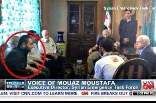 Внезапно: сенатор Маккейн и лидеры ИГИЛ в одном кадре
