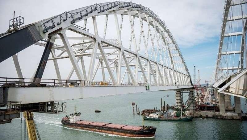 Укрохунта готовит операцию по блокированию Крымского моста