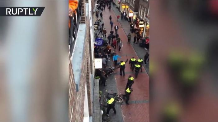 Голландия: в столице задержаны 90 английских футбольных хулиганов