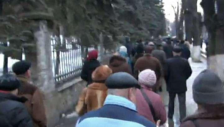 В Кишиневе на митинге задержали более 20 провокаторов с битами, противогазами и в масках
