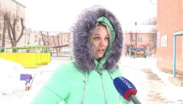 Очевидец пожара ТЦ Кемерово: людей не пускали на лестницы охранники, детей давили