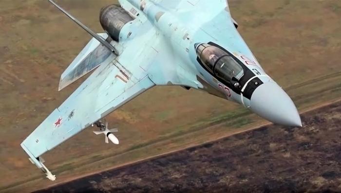 Новейшие Су-35 впервые прилетели на остров Итуруп Курильской гряды