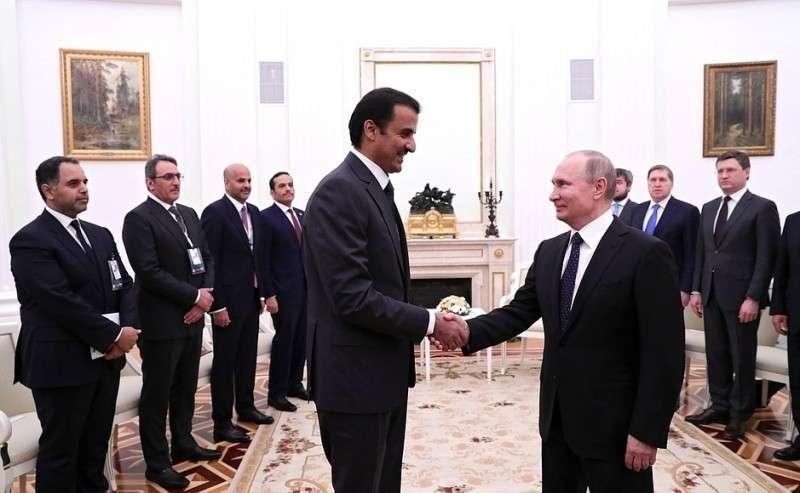 Перед началом российско-катарских переговоров вузком составе. СЭмиром Катара Тамимом Бен Хамадом Аль Тани.