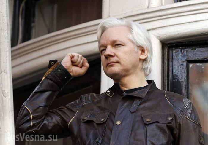 Джулиану Ассанжу выключили все средства связи после заявления по«делу Скрипаля»