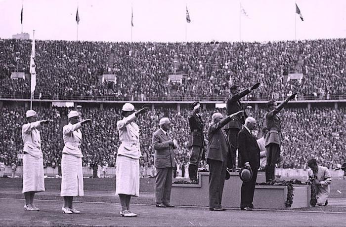 Мария Захарова напомнила Англии о визите лордов в гости к Гитлеру на Олимпиаду