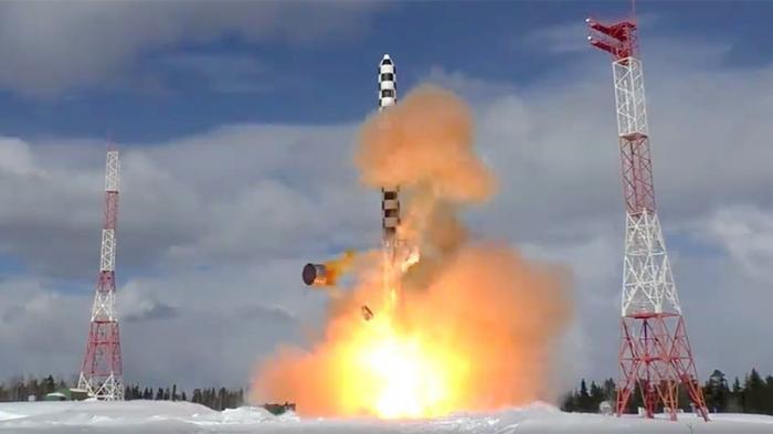 Россия успешно испытала новую баллистическую ракету «Сармат»