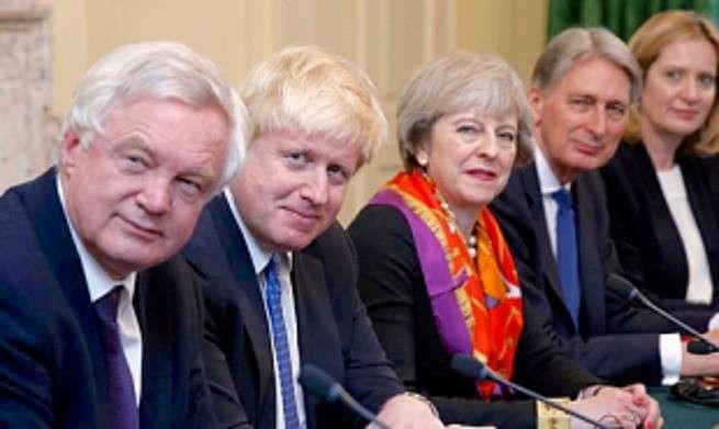 Стоит ли России замочить в сортире Англию? Система сдержек и противовесов
