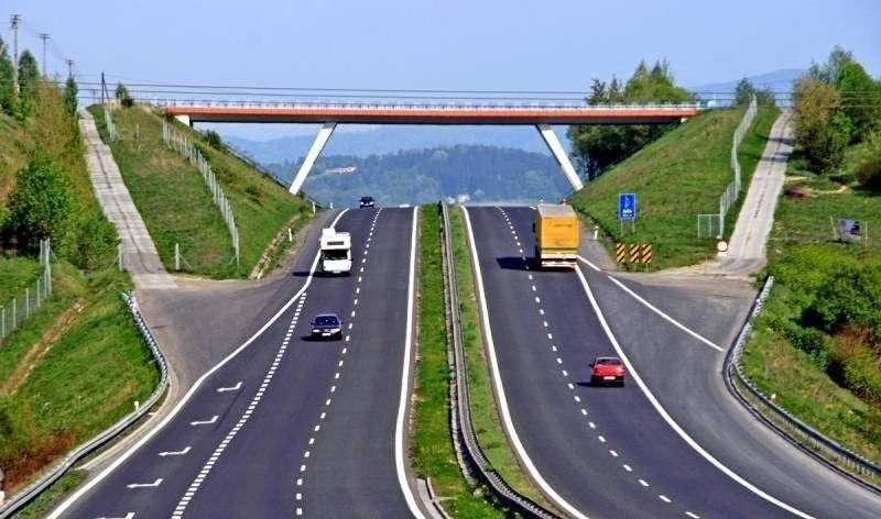 Путин, как и общал, начал свой новый срок с масштабного обновления инфраструктуры России