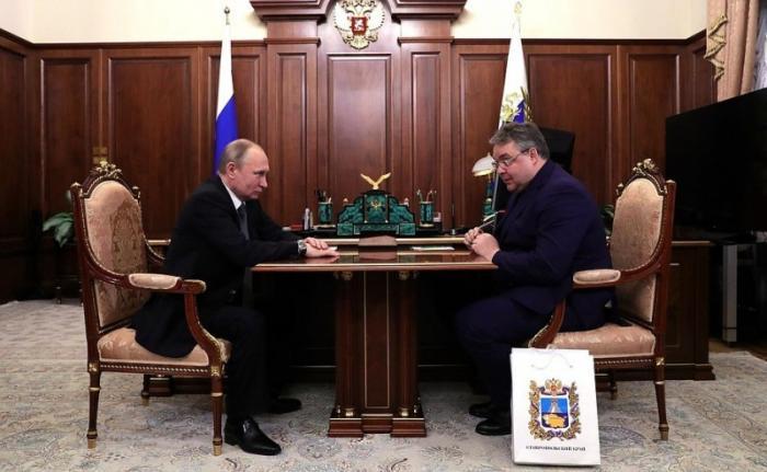 Владимир Путин провёл встречу сгубернатором Ставропольского края Владимиром Владимировым