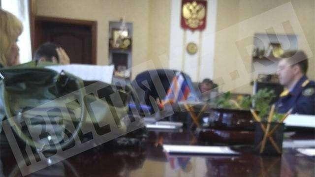 Кемерово. Следователи проводят обыски в домах главы МЧС