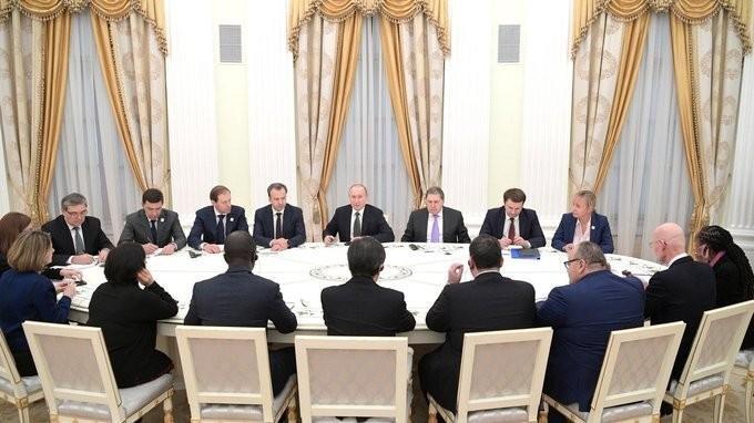Владимир Путин встретился с членами инспекционной комиссии Международного бюро выставок