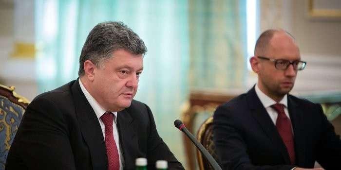 Между самозванцами Порошенко и Яценюком началась открытая война