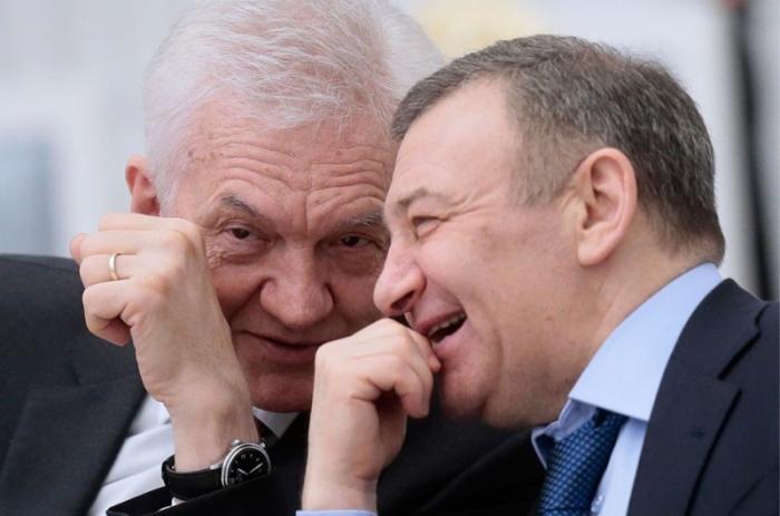США давят на русских олигархов и понять не могут, почему те не свергают Путина