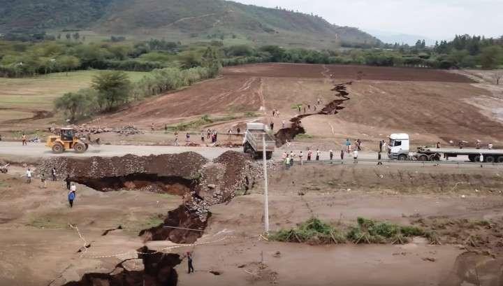 Африка: гигантский разлом в Кении – в Сети появились впечатляющие кадры
