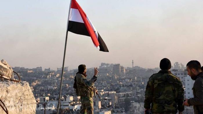 Сирия: партизаны атаковали базу спецназа США и подняли флаг над Раккой