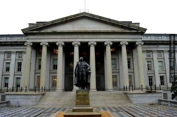 «Великая Победа» по-американски: инвесторам США дорого обойдутся санкции против России