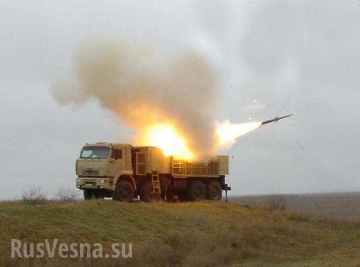 Сирия: кадры перехвата ракет, атаковавших базу ВВС Т-4