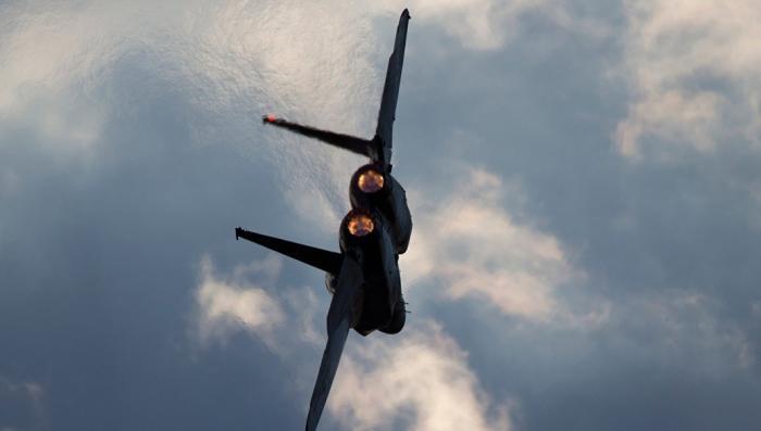 Самолет подлого Израиля находился в небе в ходе атаки на авиабазу в Сирии