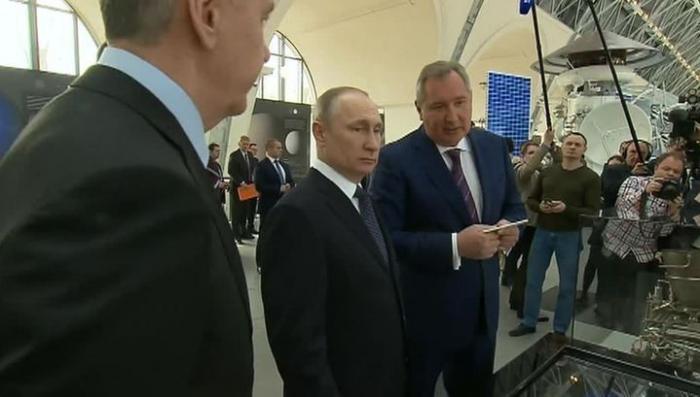 Владимир Путин побывал в «Космосе» на ВДНХ и рассказал о новой сверхтяжелой ракете