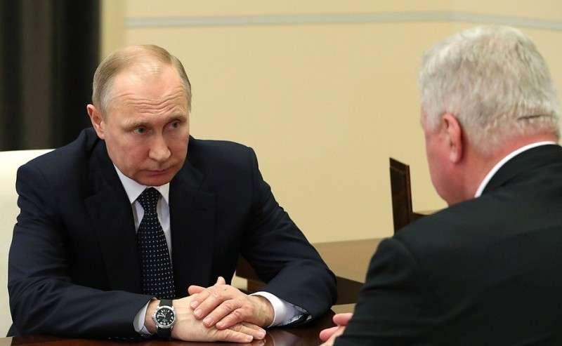 Навстрече спредседателем Федерации независимых профсоюзов России Михаилом Шмаковым.