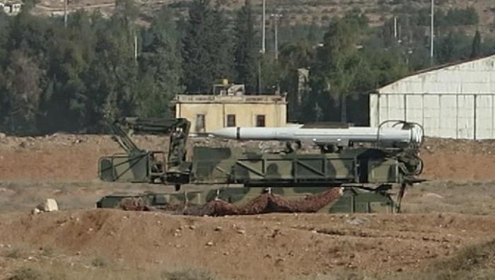 Первые кадры с разбомбленного аэродрома Меззе в Сирии