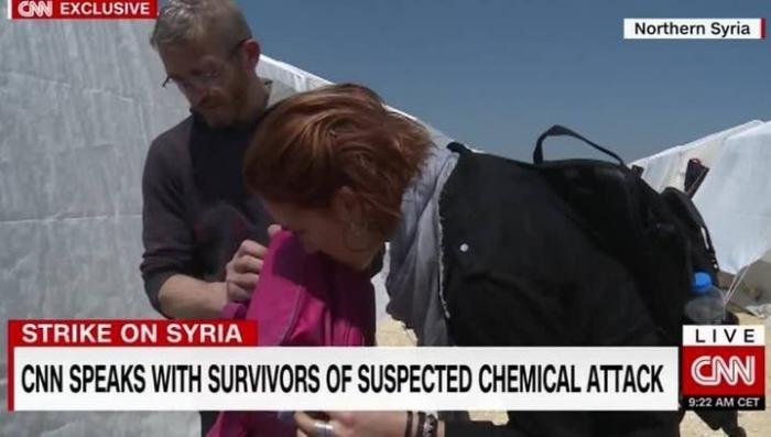 Журналист CNN выполняет функции поисковой собаки лишь бы унюхать химоружие в Сирии