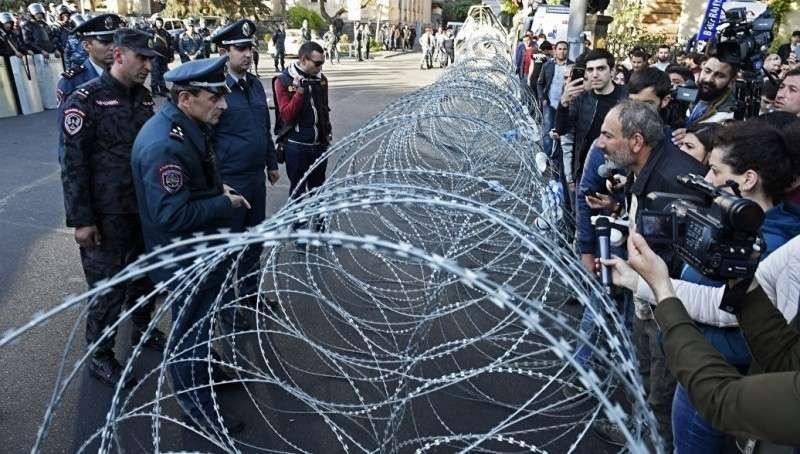 Армения. лидер пятой колонны заявил, что начинает «бархатную революцию»