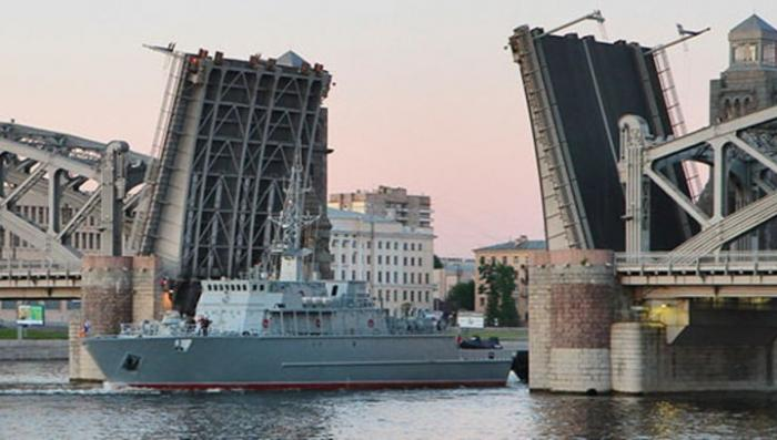 Россия спускает на воду уникальный стеклопластиковый боевой корабль