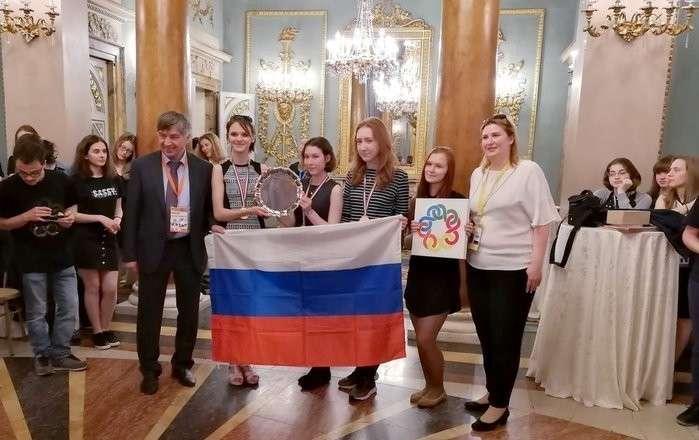 Российские школьницы взяли «золото» наЕвропейской математической олимпиаде