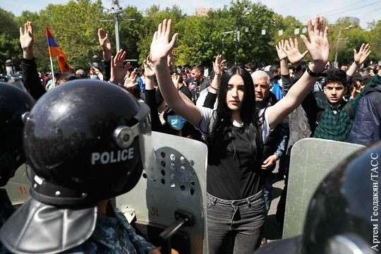 Кремль «проморгал» цветную революцию в стратегически важной Армении?
