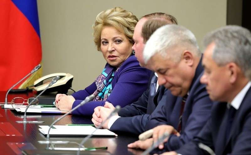 Перед началом совещания спостоянными членами Совета Безопасности.