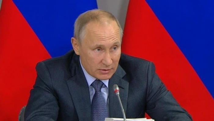 Владимир Путин обсудил с Сергеем Шойгу и Валерием Герасимовым ситуацию в Сирии