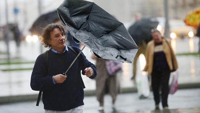 На Москву надвигается мощный ураган. Синоптики предупредили об оранжевом уровне опасности