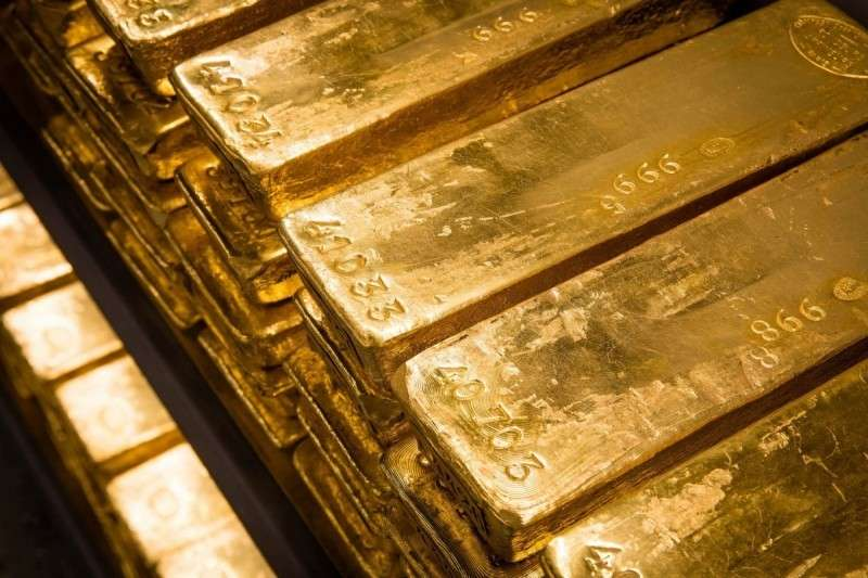Зачем немцы, голландцы и турки спасают своё золото из США?