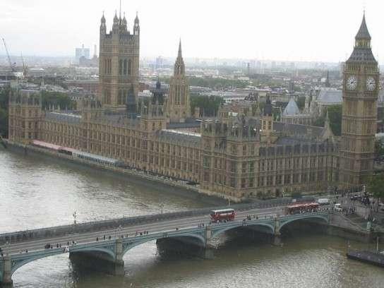 Британия усиленно «выкручивается» от отравления Скрипаля