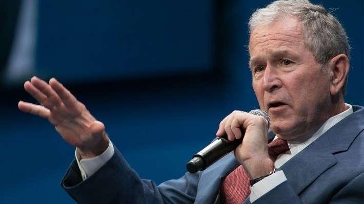 Джордж Буш призвал смириться с тем, что Владимир Путин никогда не проигрывает